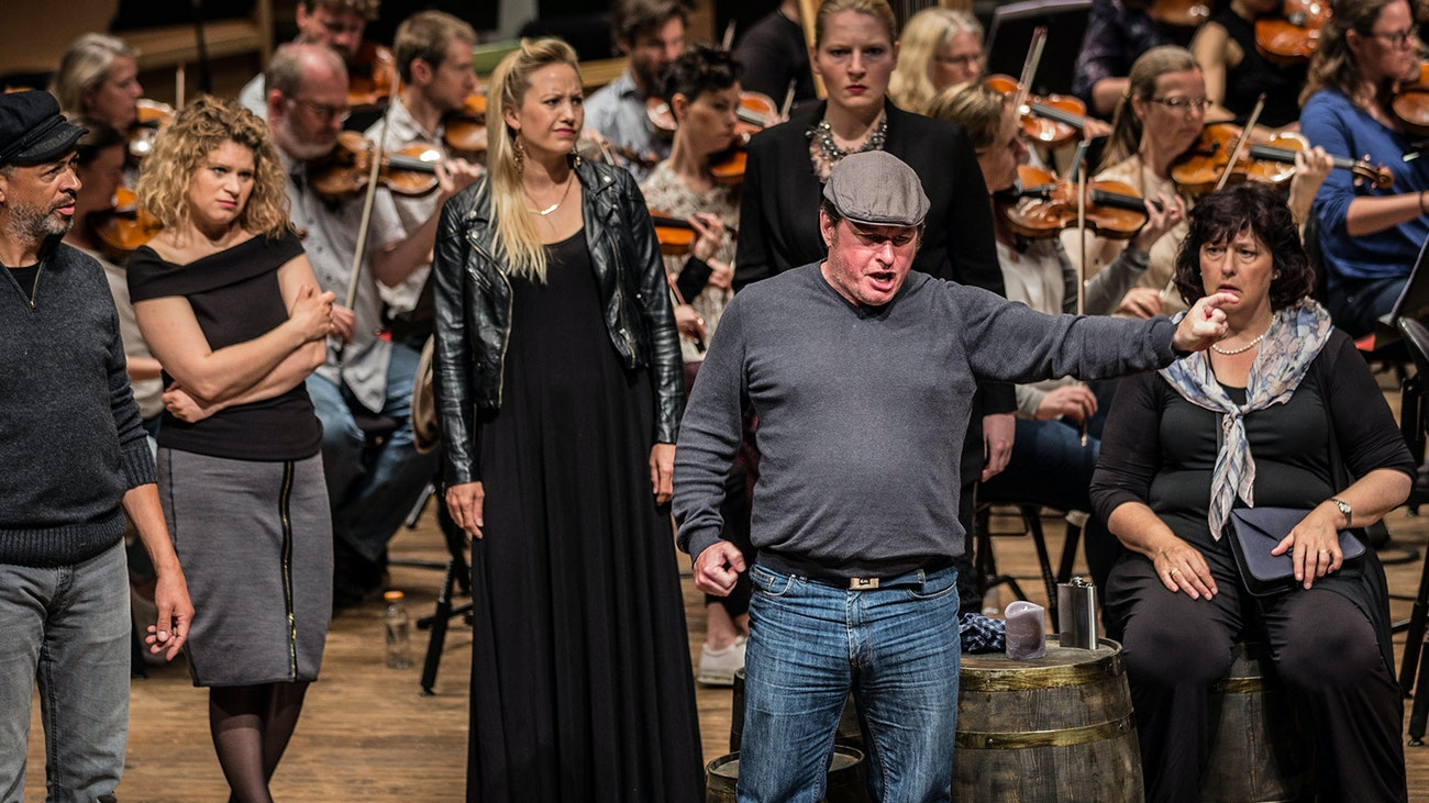 Peter Grimes Dressrehearsal Video